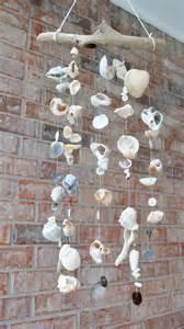 dekoration spiele sommerdeko im garten windspiel aus muscheln selber basteln