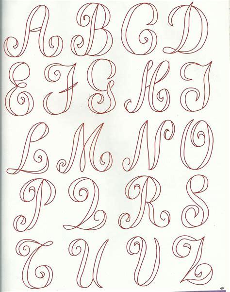 lettere classiche lettere classiche 1 embroidery alphabets and monograms