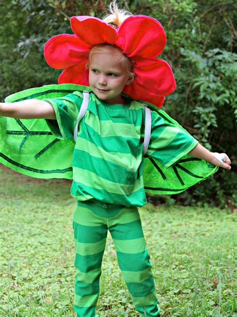 How To Make A Flower Costume With Pictures Wikihow | easy diy halloween costume idea flower with big petals