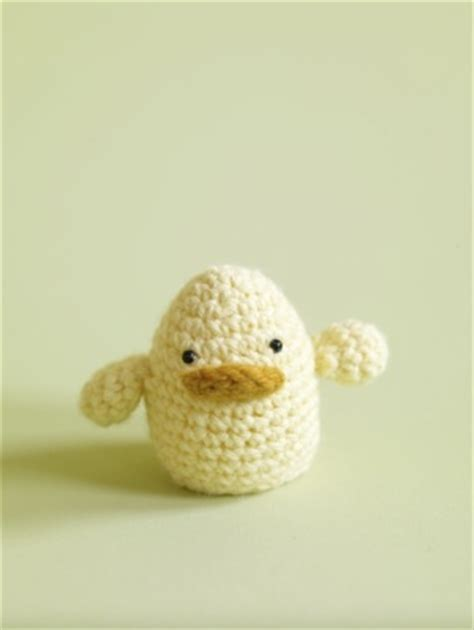 easter egg cosy knitting pattern easter egg cozies to knit and crochet free patterns