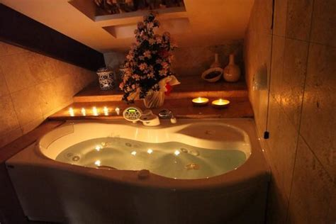 weekend romantico con vasca idromassaggio in assisi weekend romantico suite con idromassaggio 2 posti