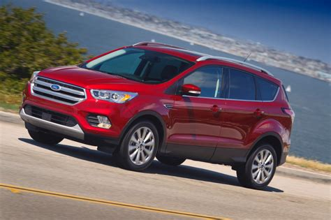 ford crossover 2017 ford escape review how does the crossover compare