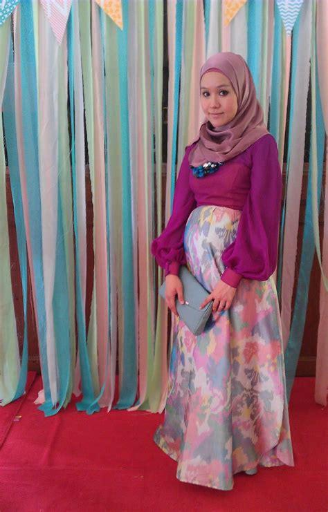 Busana Wanita Muslimah baju modis untuk wanita muslimah yang bekerja