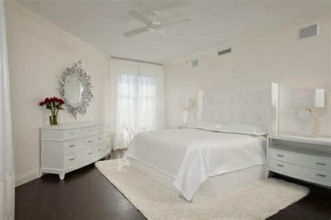 minimalistische wohnideen minimalismus schlafzimmer in weis minimalismus