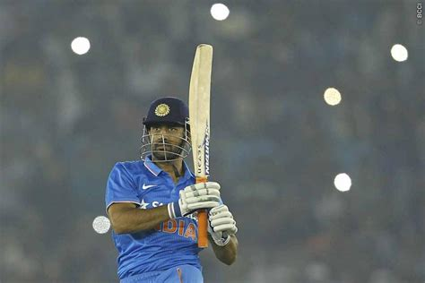 Ms Records Ms Dhoni Records 9000 Runs 150 Stumpings And Much More