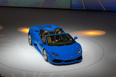 slowest lamborghini lamborghini huracan spyder drops the top with 610 hp