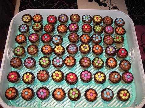 kindergeburtstags kuchen kleine kuchen im waffelbecher rezept mit bild