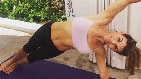 lori loughlin workout lori loughlin abs lori loughlin shows off her incredible