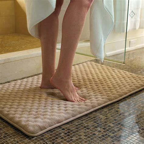 badezimmer teppich badezimmer teppich kann ihr bad v 246 llig beleben archzine net