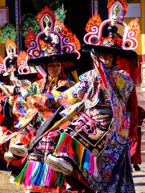 new year dancers traditional tibetan new year dancers
