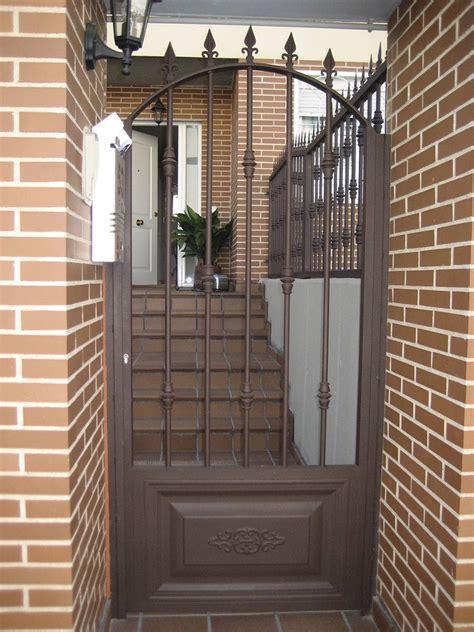 patio interior rejas puertas exteriores casas alerones pinterest puertas