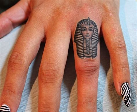 ankh tattoo on finger almost 100 egyptian tattoos that will blow your mind