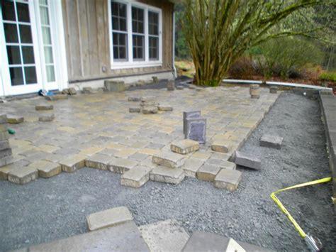 laying paver patio patio pavers patio design paver walkway pathway