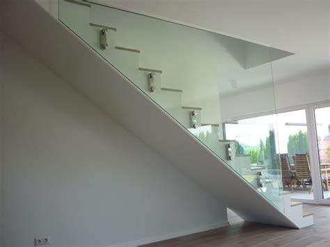 geländer wandbefestigung innen design treppe