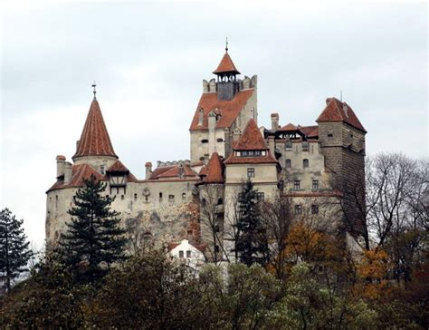 bran castle for sale let s go halvsies dracula s castle is up for sale geekologie