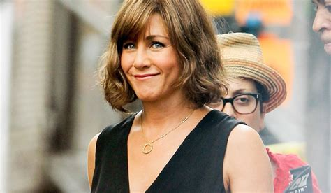 the rachel haircut ways to wear it is this the new rachel haircut the style insider