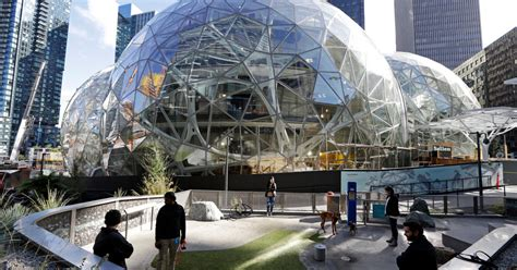 amazon  build   headquarters   york times