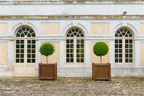 gardinenstange rundbogenfenster gardinen f 252 r rundbogenfenster 187 ideen m 246 glichkeiten
