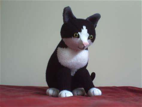 alan dart black and white cat knitting pattern ravelry knitted kitties black and white cat pattern by