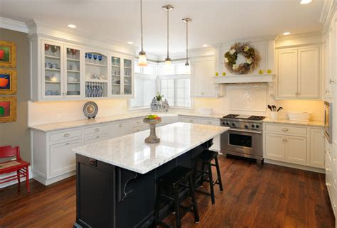 White Kitchen With Black Island Traditional Kitchen White Kitchen Cabinets With Black Island