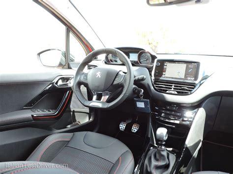 peugeot 2008 interni test drive nuova peugeot 2008 gt line il suv adatto a
