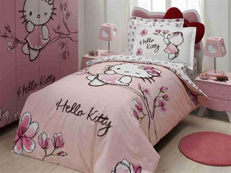 Ranjang Helo Kity inspirasi kamar tidur tema hello rumah dan gaya