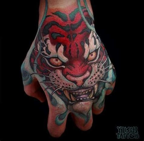 tattoo on clark hand 10 best foo dog palm tattoos images on pinterest tattoo