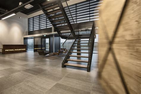 interieur design tilburg petrol industries office and show room by vds