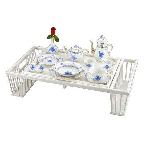 breakfast in bed trays the peak of chic 174 breakfast tray chic