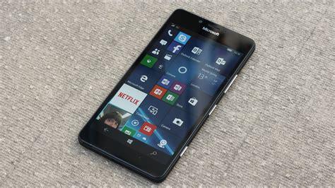 Microsoft Lumia 950 microsoft lumia 950 review windows 10 comes to mobiles expert reviews