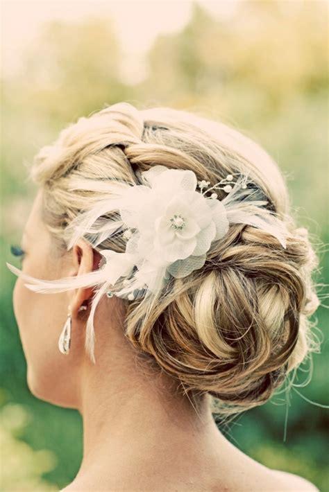 Hochzeitsfrisur Locken Blumen by Coole Haare 100 Faszinierende Ideen