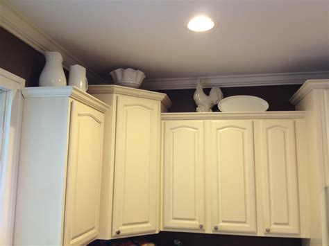 what can i put on top of kitchen cupboards this is where i cry uncle big mama