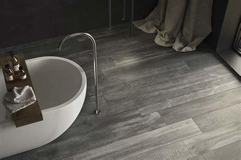 pavimenti interni gres porcellanato effetto legno gres effetto legno collezione cross wood di panaria mam