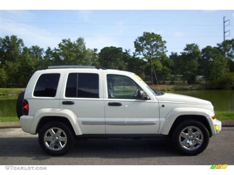 jeep white liberty 2007 white jeep liberty limited 4x4 15065440