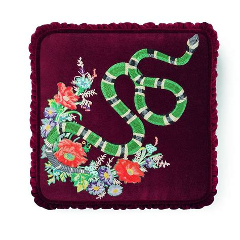Gucci Home Decor Gucci Home Decor Gucci Is Launching Decor And We Actually Just Fainted See Gucci Home D 233