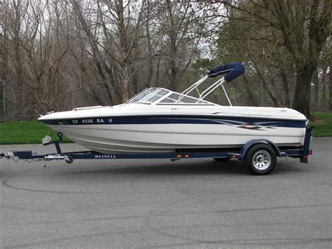 boat on trailer west auctions auction 2004 reinell 185 18 5ft sport
