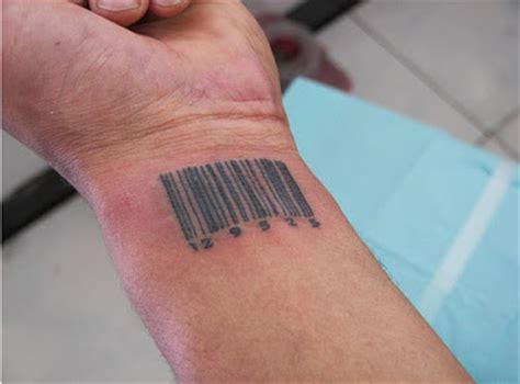 barcode tattoo hand barcode tattoos damn cool pictures