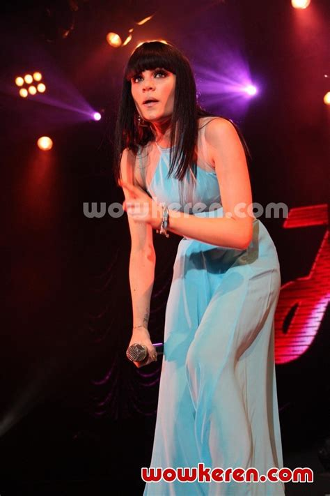 Jessy J Ori foto konser j who you are world tour foto 54
