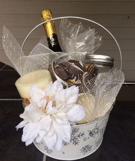 Wedding Basket Ideas by 54 Best Images About Wedding Gift Baskets On