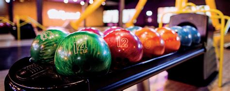 book  ten pin bowling party  bracknell hollywood bowl
