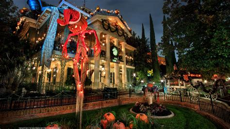 haunted house disneyland first look 2016 haunted mansion holiday gingerbread house at disneyland park disney