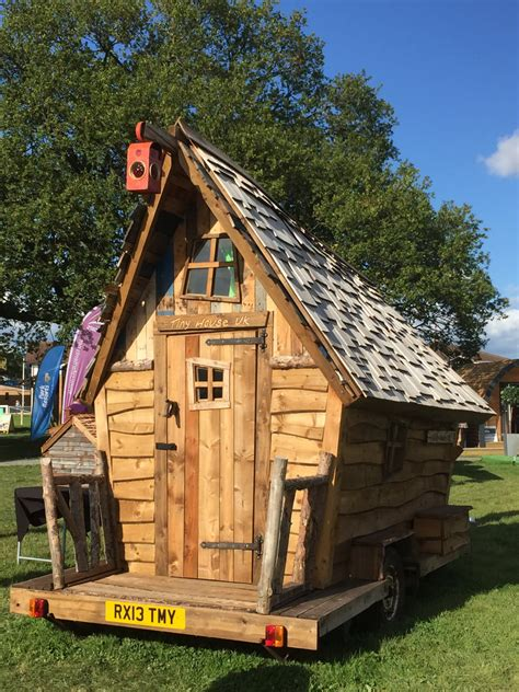 bespoke garden sheds built   size  shape custom