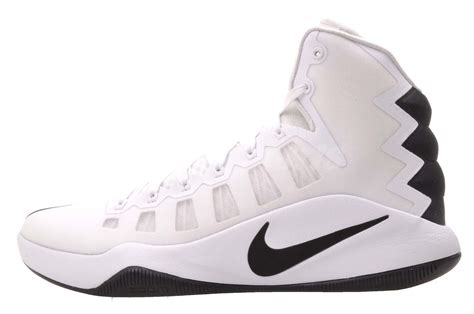 whats a basketball shoe what is the difference between nike hyperdunk and hyperdunk tb
