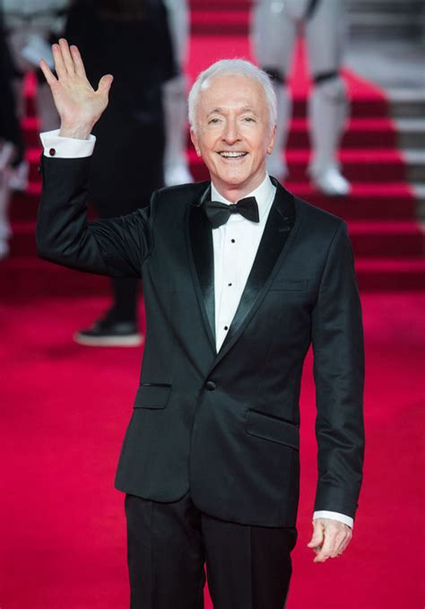 anthony daniels cameo solo solo a star wars story features a surprise comeback from
