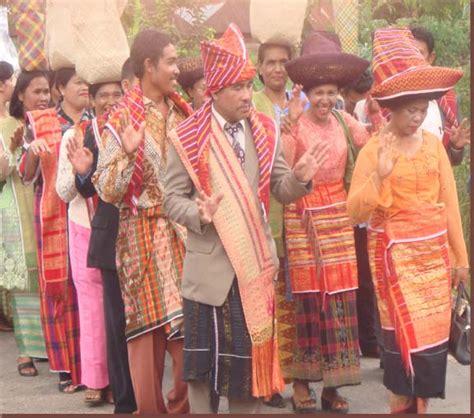 Baju Adat Suku Batak Karo aku cinta budaya karo mari kita lestarikan adat budaya karo