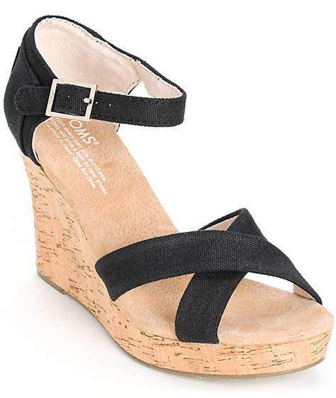 Sale Sepatu Toms Wedge Canvas toms black canvas womens strappy wedges zumiez