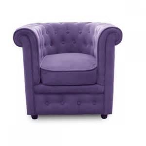 fauteuil chesterfield capitonne velours violet fauteuil