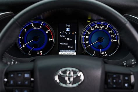 Spion Vios G 2007 12 All Warna toyota reveals all new hilux interior