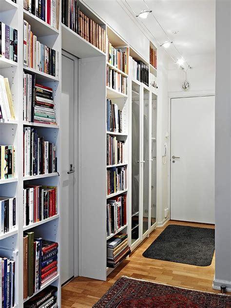 libreria ingresso perch 233 non sfruttare lo spazio dell ingresso con librerie