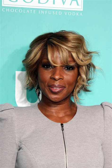 mary j blige flipped hair mary j blige celebrity black hair styles pictures